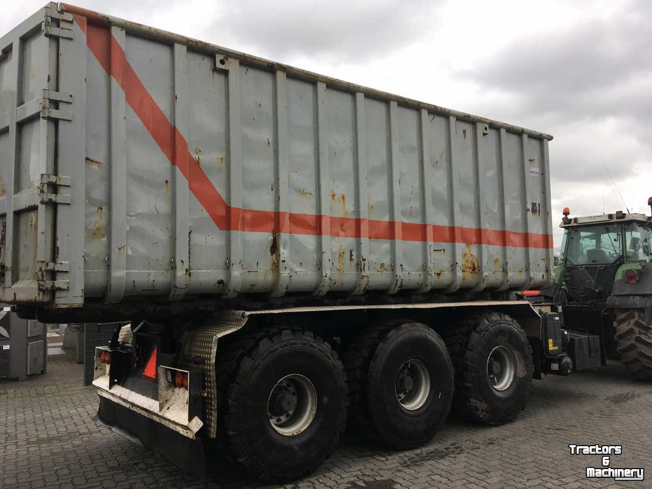 Hooked-arm carrier  Roda Dalfsen 35 m3 haakarm container